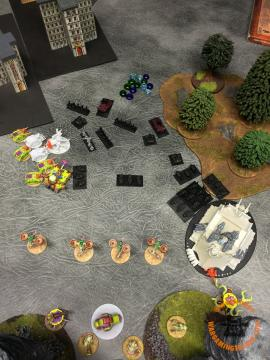 Countercharge moves let the Warbikes bring in the Plague Reaper but oddly enough they decide not to go into base contact with the Plague Hulk next to it...